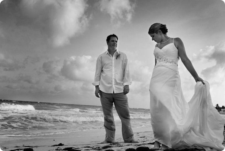 Destination wedding on beach in Mexico