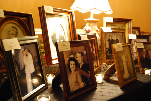 Memory table to honor lost loved ones