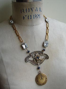 wpid-blue_floral_locket_necklace_1_lg-2012-09-2-20-42.jpg